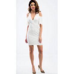 Kremowa sukienka z odkrytymi ramionami TA6126. Niebieskie sukienki marki Reserved, z odkrytymi ramionami. Za 63,20 zł.
