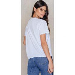 T-shirty damskie: Kristin Sundberg for NA-KD T-shirt Banana – White