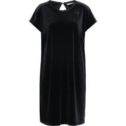 Holzweiler VALUABLE Sukienka z dżerseju black. Szare sukienki z falbanami marki Alma en Pena, z materiału, na płaskiej podeszwie. W wyprzedaży za 391,60 zł.