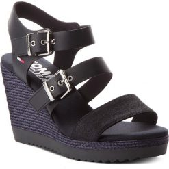 Rzymianki damskie: Sandały TOMMY JEANS – Denim Strappy Wedge Sandal EN0EN00195 Midnight 403
