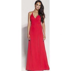 Czerwona Elegancka Długa Sukienka Wiązana na Szyi. Czerwone długie sukienki marki Molly.pl, na imprezę, na lato, l, eleganckie, z kopertowym dekoltem, z długim rękawem, dopasowane. Za 288,90 zł.