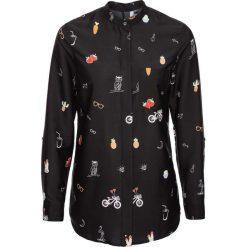 Bluzka bonprix czarny z nadrukiem. Czarne bluzki oversize marki bonprix, z falbankami. Za 69,99 zł.