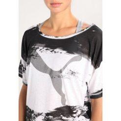 Puma DANCER DRAPEY Tshirt z nadrukiem black. Czarne t-shirty damskie Puma, s, z nadrukiem, z materiału. W wyprzedaży za 135,20 zł.