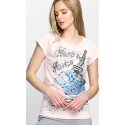 Różowy T-shirt Won't Go. Czerwone bluzki damskie marki Born2be, m. Za 9,99 zł.