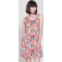 Sukienki: Koralowa Sukienka Strawbery Field