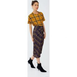 Odzież damska: Spódnica w kratkę z rozcięciem pośrodku