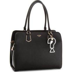 Torebka GUESS - HWVG68 76090 BLA. Czarne torebki klasyczne damskie marki Guess, z aplikacjami, ze skóry ekologicznej, duże. Za 699,00 zł.
