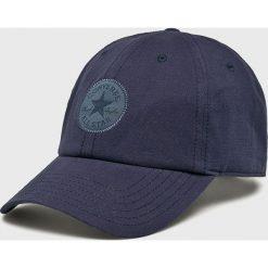 Converse - Czapka. Niebieskie czapki z daszkiem damskie Converse, z bawełny. W wyprzedaży za 69,90 zł.