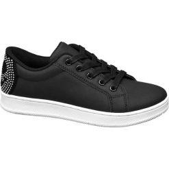 Sportowe buty dziecięce Graceland czarne. Czarne buciki niemowlęce chłopięce Graceland, z materiału, na sznurówki. Za 79,90 zł.