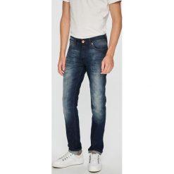Wrangler - Jeansy Spencer. Niebieskie jeansy męskie slim Wrangler, z bawełny. Za 399,90 zł.