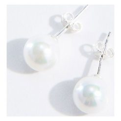 Kolczyki damskie: Srebrne kolczyki z ekologiczną perłą – Kremowy