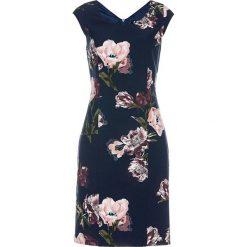 Sukienka ołówkowa z nadrukiem bonprix ciemnoniebieski z nadrukiem. Niebieskie sukienki na komunię marki bonprix, z nadrukiem, z dekoltem w serek, dopasowane. Za 149,99 zł.