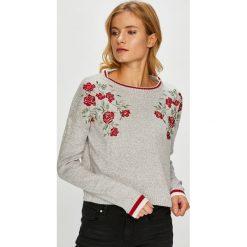 Tally Weijl - Sweter. Czerwone swetry klasyczne damskie marki TALLY WEIJL, l, z dzianiny, z krótkim rękawem. W wyprzedaży za 89,90 zł.