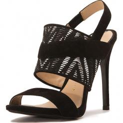 Skórzane sandały w kolorze czarnym. Czarne sandały damskie Stella Luna, z materiału, na obcasie. W wyprzedaży za 636,95 zł.