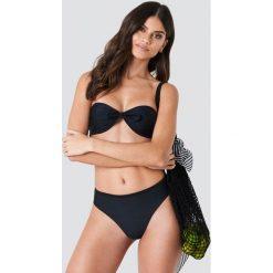 J&K Swim X NA-KD Góra bikini bandeau z wiązaniem - Black. Zielone bikini marki J&K Swim x NA-KD. Za 80,95 zł.
