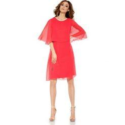 Szyfonowa sukienka z narzutką  malina DIANA. Czerwone bolerka i narzutki damskie marki Lemoniade, na wesele, z szyfonu, wizytowe. Za 159,90 zł.