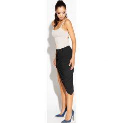 Odzież damska: Czarna Spódnica Asymetryczna z Marszczeniami
