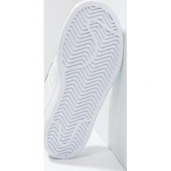 Adidas Originals SUPERSTAR FOUNDATION Tenisówki i Trampki white. Białe trampki chłopięce adidas Originals, z materiału. W wyprzedaży za 199,20 zł.