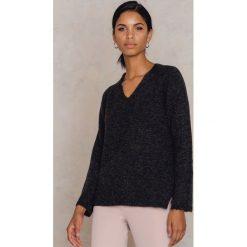 Swetry klasyczne damskie: Filippa K Sweter z dekoltem V Multi – Multicolor
