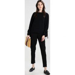 Spodnie dresowe damskie: 2ndOne MILEY Spodnie treningowe black ruffle