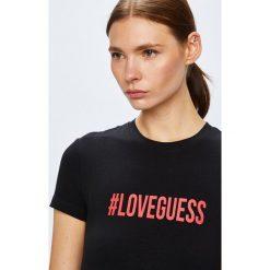 Guess Jeans - Top. Szare topy damskie marki Guess Jeans, na co dzień, l, z aplikacjami, z bawełny, casualowe, z okrągłym kołnierzem, mini, dopasowane. Za 169,90 zł.