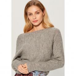Sweter z wełną alpaki - Szary. Czerwone swetry klasyczne damskie marki Mohito, z bawełny. Za 129,99 zł.