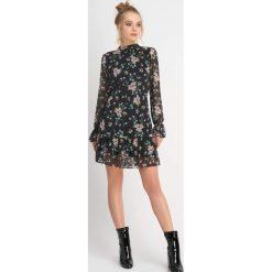 Sukienki hiszpanki: Szyfonowa sukienka w kwiaty