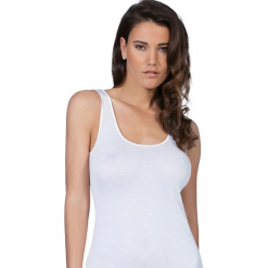 Podkoszulek w kolorze białym. Czarne podkoszulki damskie marki B'TWIN, l, z elastanu, z długim rękawem. W wyprzedaży za 113,95 zł.