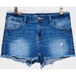 Jeansowe szorty - Niebieski. Niebieskie szorty jeansowe damskie marki Cropp. W wyprzedaży za 79,99 zł.