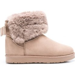 Answear - Botki. Różowe buty zimowe damskie ANSWEAR, z materiału, z okrągłym noskiem, na obcasie. W wyprzedaży za 99,90 zł.