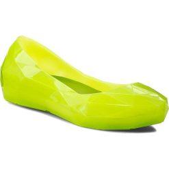 Baleriny UNITED NUDE - Lo Res Lo 1003050221  Forest Neon. Żółte baleriny damskie lakierowane United Nude, ze skóry, na płaskiej podeszwie. W wyprzedaży za 309,00 zł.