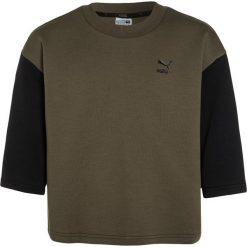 Puma EVO CREW Bluza olive night. Brązowe bluzy dziewczęce marki Puma, z bawełny. W wyprzedaży za 126,75 zł.