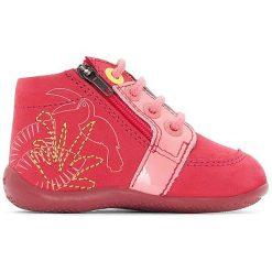 Wysokie buty sportowe BOUCAN. Niebieskie buty sportowe dziewczęce marki Kickers, z kauczuku, na sznurówki. Za 356,96 zł.