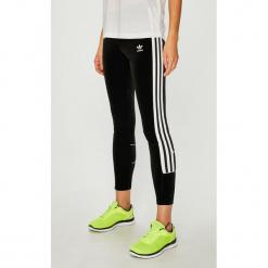 Adidas Originals - Legginsy. Szare legginsy adidas Originals, z dzianiny. W wyprzedaży za 149,90 zł.