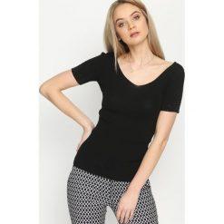 Czarna Bluzka Unquotable. Czarne bluzki asymetryczne Born2be, l, z dekoltem karo, z krótkim rękawem. Za 44,99 zł.