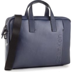 Torba na laptopa CALVIN KLEIN - Elevated Logo Slim Laptop Bag K50K503870 443. Szare torby na laptopa marki Calvin Klein, szklane. Za 649,00 zł.