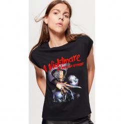 Koszulka A NIGTMARE ON ELM STREET - Czarny. Czarne t-shirty damskie marki Cropp, l. Za 59,99 zł.