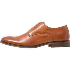 Zign Eleganckie buty cognac. Brązowe buty wizytowe męskie Zign, z materiału, na sznurówki. Za 399,00 zł.