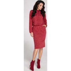 Czerwona Sukienka Midi z Półgolfem. Czerwone sukienki balowe marki House, l, z napisami, sportowe. W wyprzedaży za 99,42 zł.