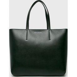 Calvin Klein - Torebka. Szare torebki klasyczne damskie Calvin Klein, z materiału, duże. Za 539,90 zł.