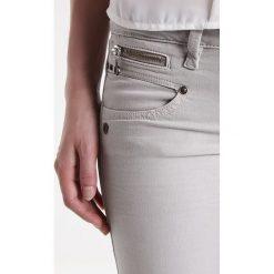 Freeman T. Porter ALEXA Jeansy Slim Fit limestone. Niebieskie jeansy damskie marki Freeman T. Porter. W wyprzedaży za 295,20 zł.