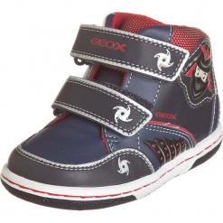 """Sneakersy """"Flick"""" w kolorze granatowo-czerwonym. Niebieskie trampki chłopięce marki geox kids, z gumy. W wyprzedaży za 125,95 zł."""
