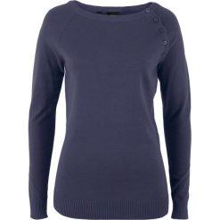 Sweter z plisą guzikową bonprix jagodowy. Fioletowe swetry klasyczne damskie bonprix, z dzianiny, z okrągłym kołnierzem. Za 74,99 zł.