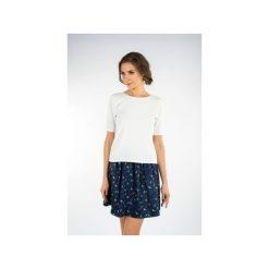 Granatowa spódnica KOLOROWE PTAKI. Niebieskie spódniczki For heart, m, w kolorowe wzory, z tkaniny, biznesowe. Za 89,00 zł.