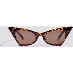 NA-KD Accessories Okulary przeciwsłoneczne Sharp Top Cat Ey - Brown. Brązowe okulary przeciwsłoneczne damskie aviatory NA-KD Accessories. W wyprzedaży za 37,07 zł.