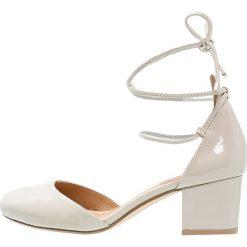 Buty ślubne damskie: Bianco Czółenka sznurowane nude