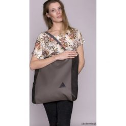 Duża torba na ramię w szarym kolorze. Szare torebki klasyczne damskie Pakamera, z materiału, duże. Za 169,00 zł.