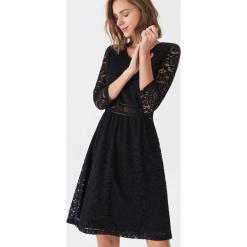 Koronkowa sukienka - Czarny. Czarne sukienki koronkowe marki House, l. Za 99,99 zł.