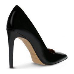 Czółenka INGRID. Czarne buty ślubne damskie Gino Rossi, z lakierowanej skóry, na wysokim obcasie, na szpilce. Za 299,90 zł.