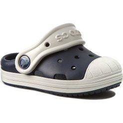 Klapki CROCS - Bump It Clog K 202282 Navy/Oyster. Niebieskie klapki chłopięce Crocs, z tworzywa sztucznego. W wyprzedaży za 139,00 zł.